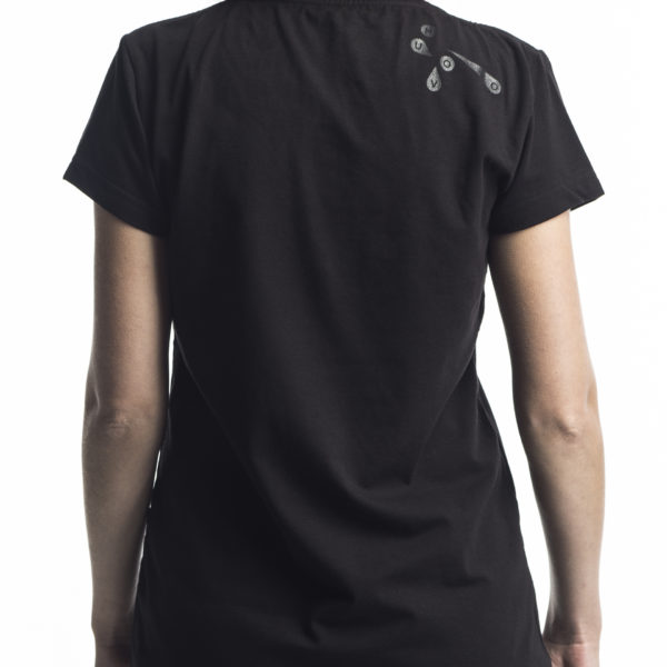 mouches_volantes_black_w_t-shirt5
