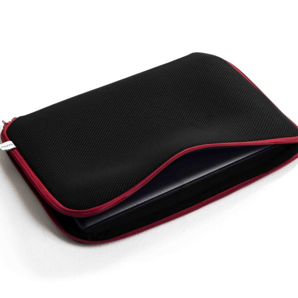 black_red_laptop_sleave3